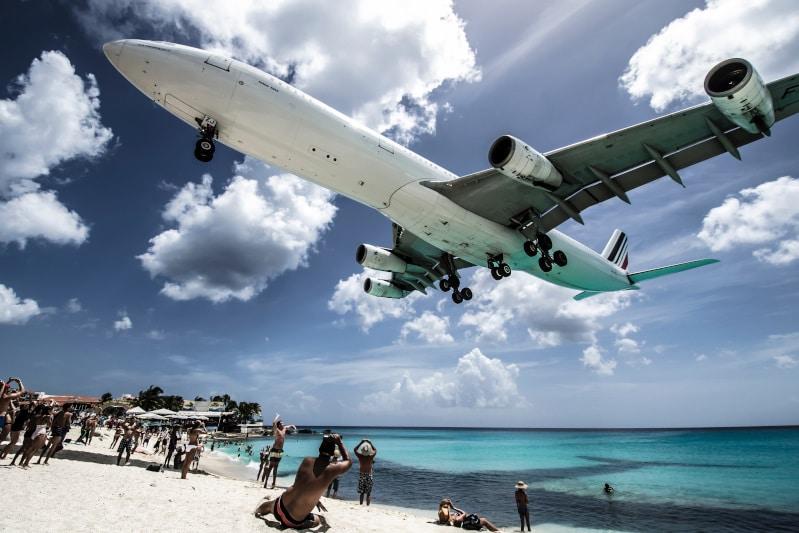旅行会社のツアーは安いのに航空券のみは高い?航空券の仕組みとは?