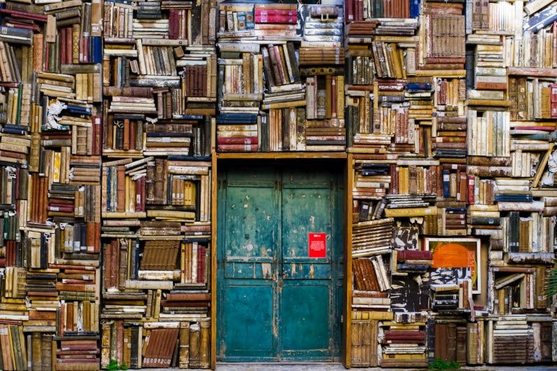 旅行会社やツアープランナーを目指している人が読むべき本7選