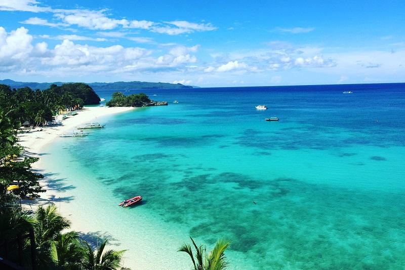 ボラカイ島 プンタブンガビーチ