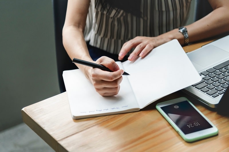 仕事で失敗ばかりする新人や中堅社員の特徴