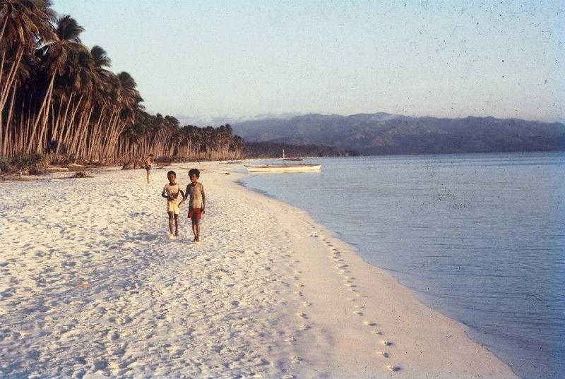 なぜボラカイ島は閉鎖されてしまったのか?