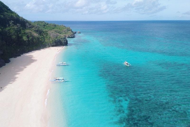 ボラカイ島に行ったらビーチホッピングがおすすめ!