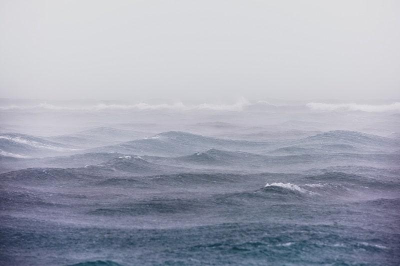 もしボラカイ島に台風が来たら?フィリピン旅行の対策とは?